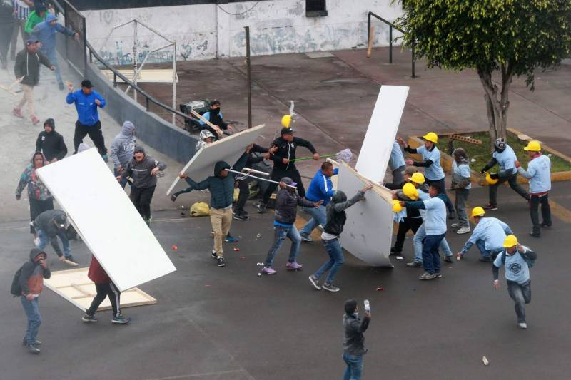 Soccer fans clash with evangelicals in Peru