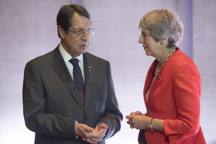 Anastasiades and May discuss Brexit over the phone