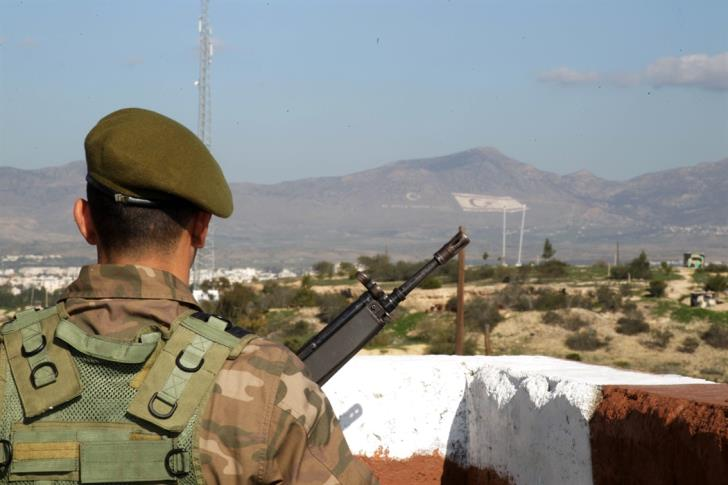 Defence Minister presents military reforms