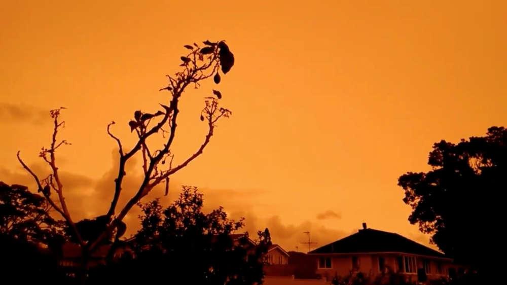 Australia's bush fires turn neighbouring New Zealand's skies bright orange