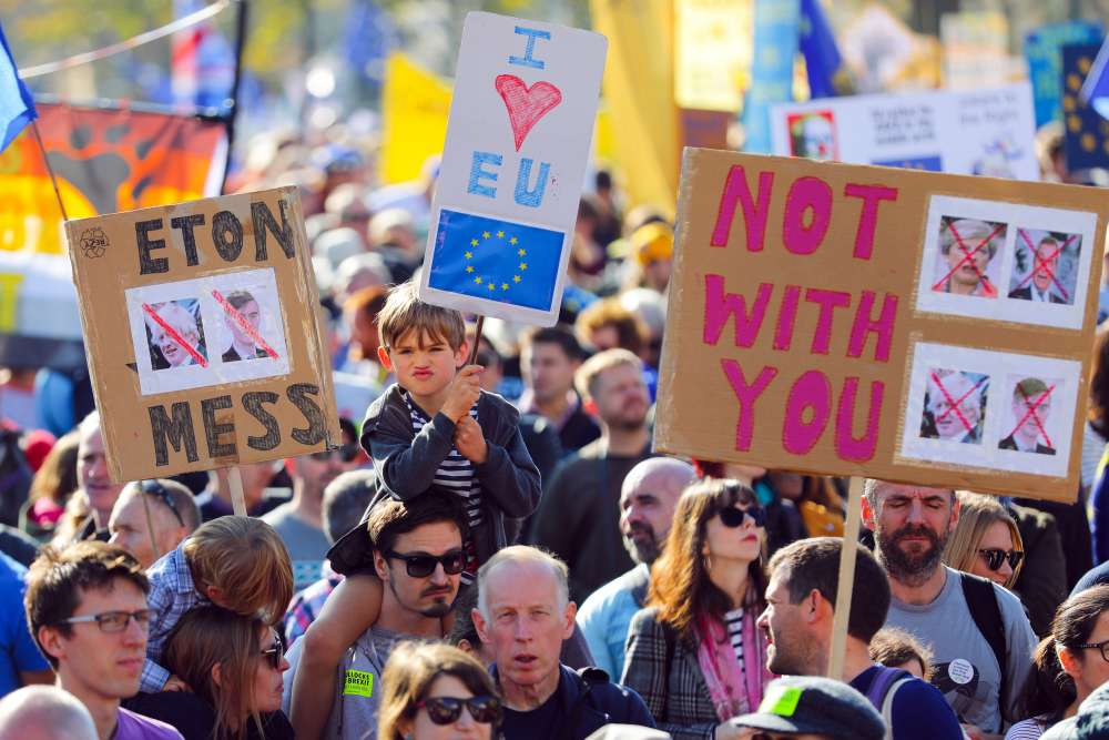 Updated: Hundreds of thousands take to streets in London demanding second Brexit vote