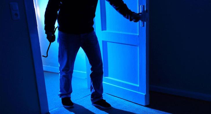 Kouklia police investigating house burglary