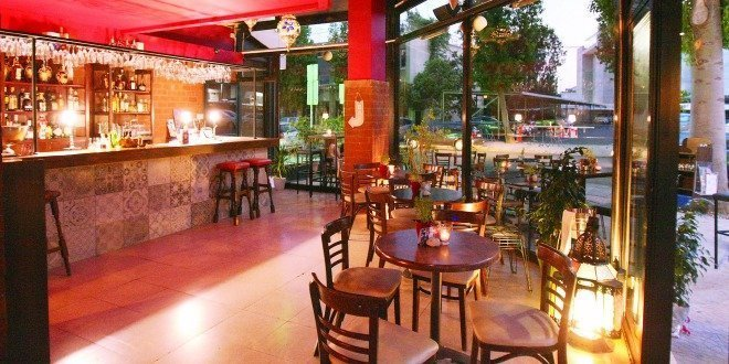 Mukta Cafe 'n Bar Culture by Guru