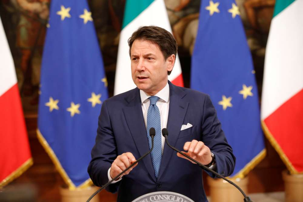Italy PM meets president as coalition close to collapse