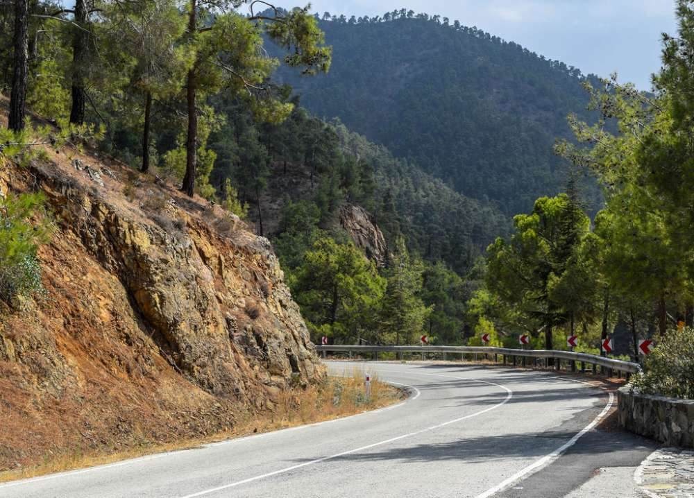 Cyprus: 2nd safest EU country to drive in says British holiday website (statistics)