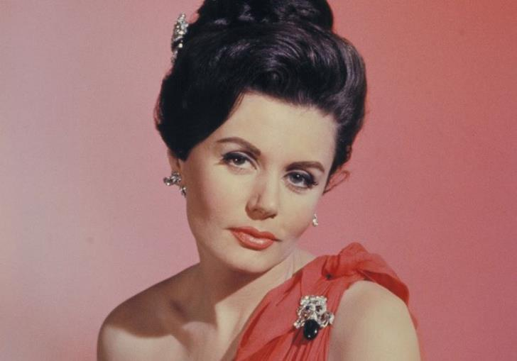 Eunice Gayson -first James Bond girl-dies at 90
