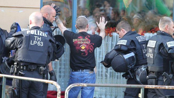 Police injured at neo-Nazi concert in Germany