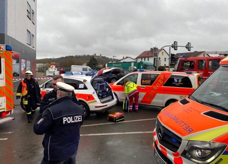 More than 30 people injured after car drove into German carnival parade