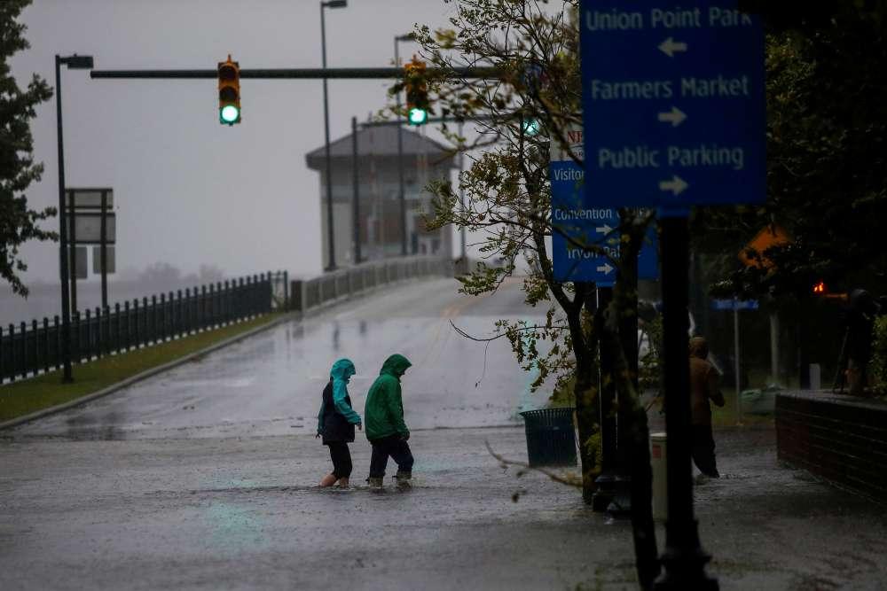 HurricaneFlorenceswamps the Carolinas