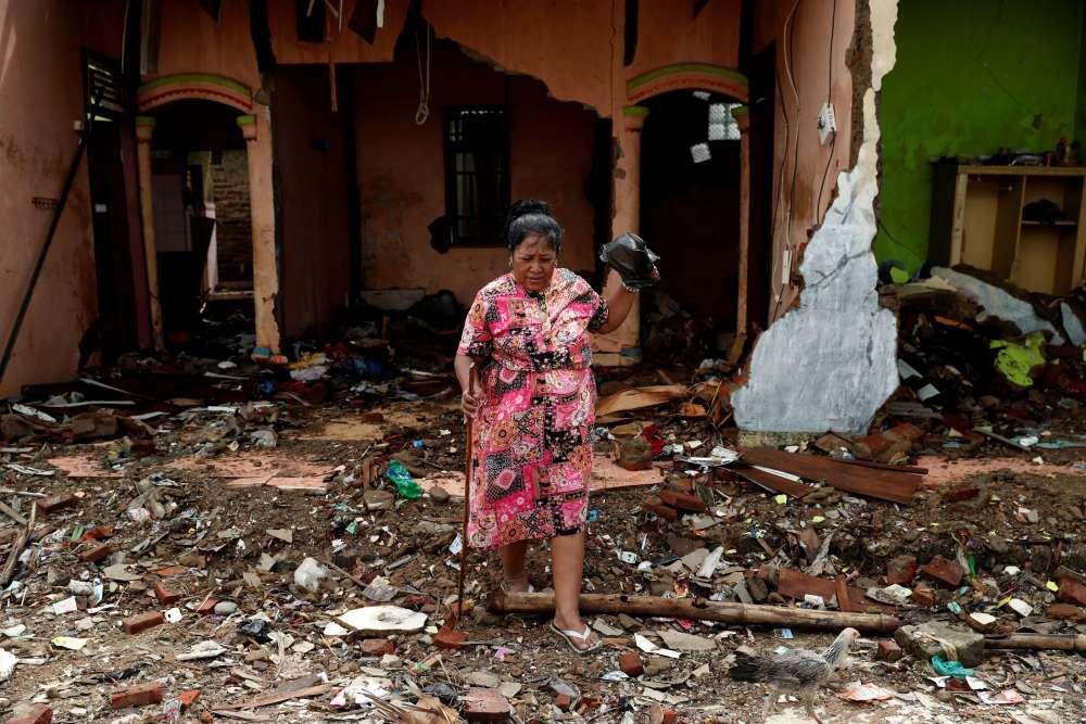 Magnitude 5.8 quake rattles Indonesia's West Papua