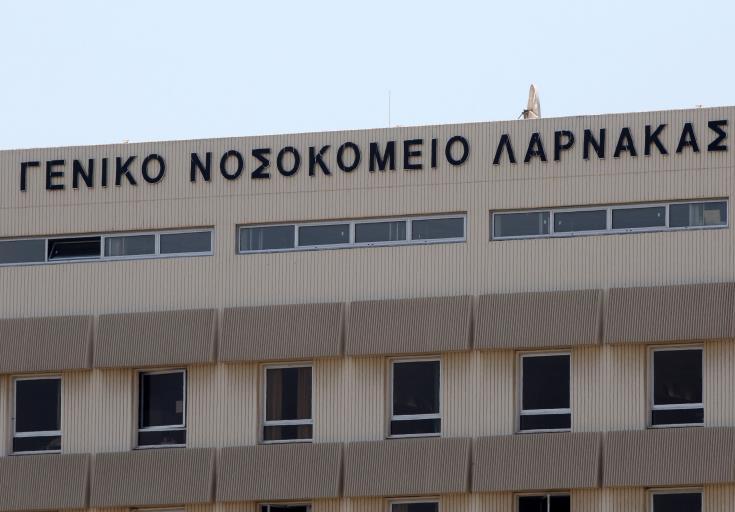 Two injured in Larnaca mugging