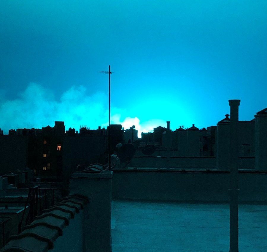 Bright light mystifies New Yorkers after transformer fire (video)