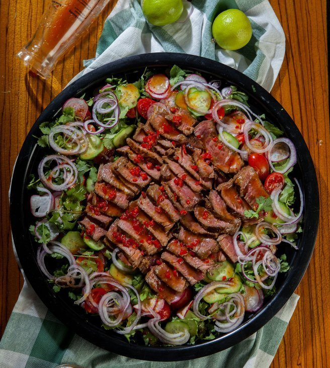 Marinated Black Angus Steak Salad
