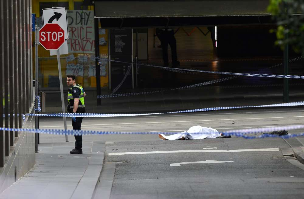 Man stabs three people in Melbourne