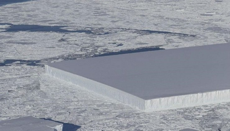 NASA finds almost perfectly square tabular iceberg