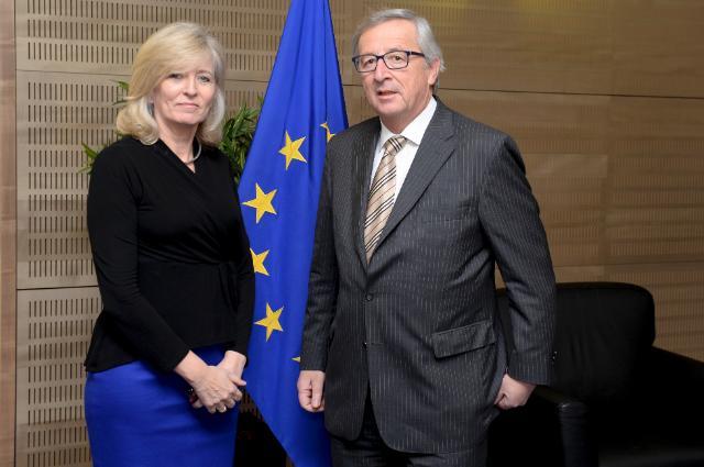 EU watchdog raps Juncker over aide's move to top job