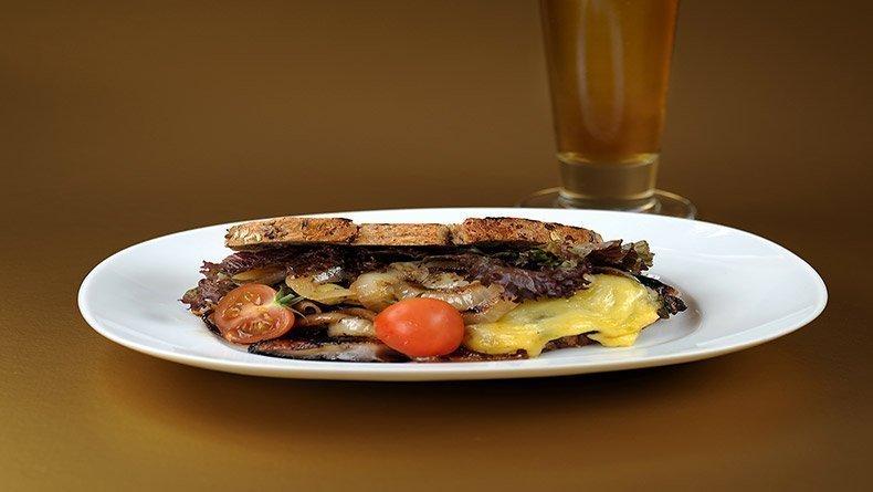 Portobello mushrooms and commandaria sandwich