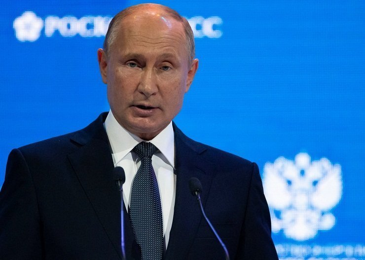 Putin: Washington infighting poisons Russia-US relationships