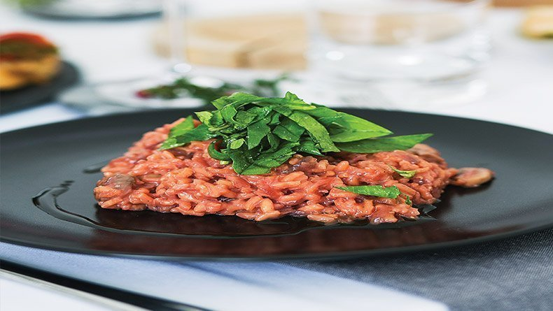 Risotto with beetroot and mushrooms