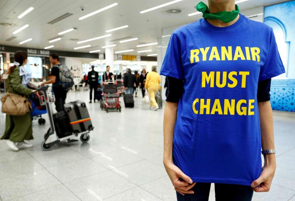 Ryanair defends cabin crew's handling of racist rant on flight (tweet)