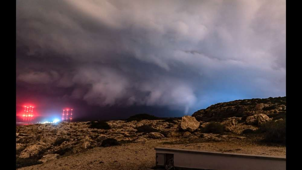 A year of chasing storms in Cyprus (photos+video)