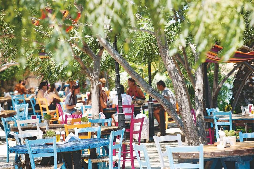 Sirena Bay Beach Bar & Restaurant