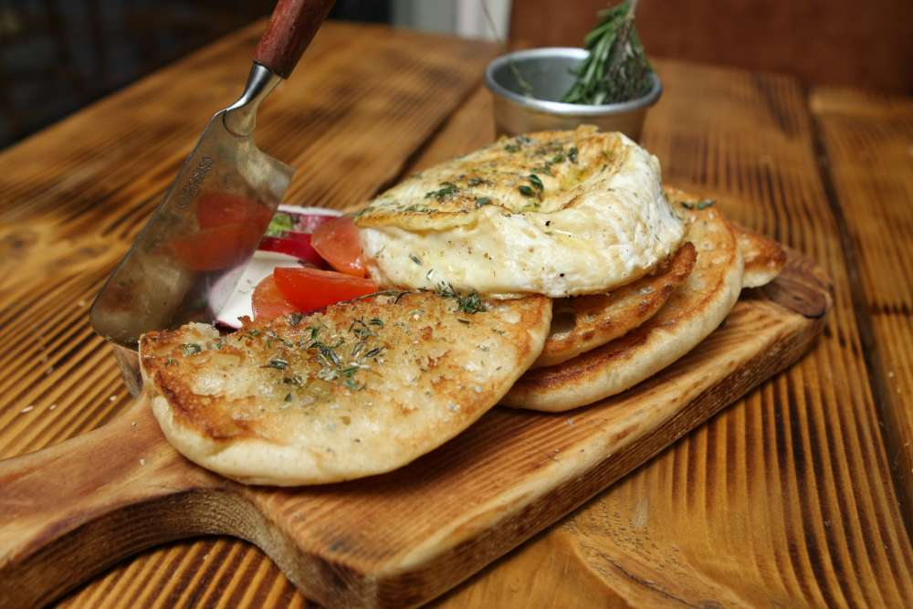 Diosmos & Kanela / Kitchen Bar