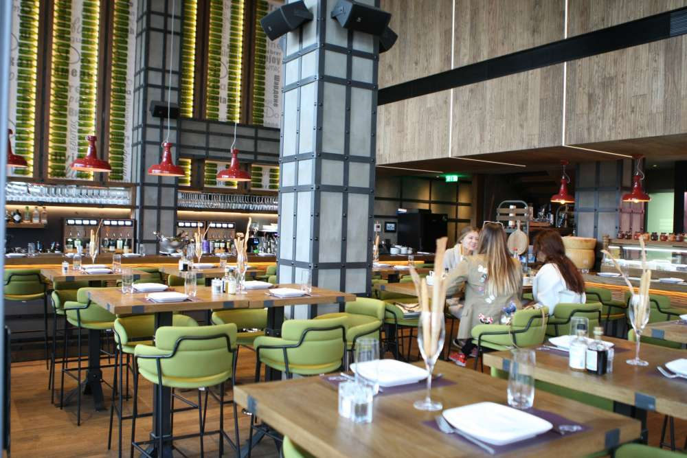 Do Wine Bar & Restaurant