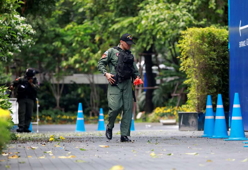 Thailand seeks more than 10 suspects for Bangkok bombs