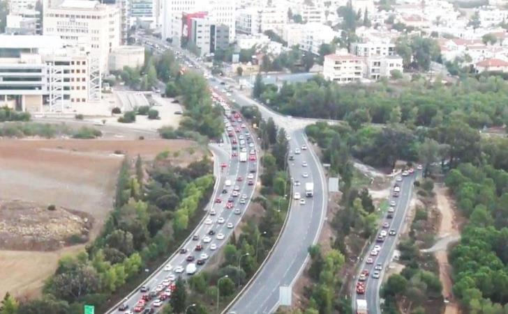 Cypriots spend the 6th longest amount of time in road congestion in EU