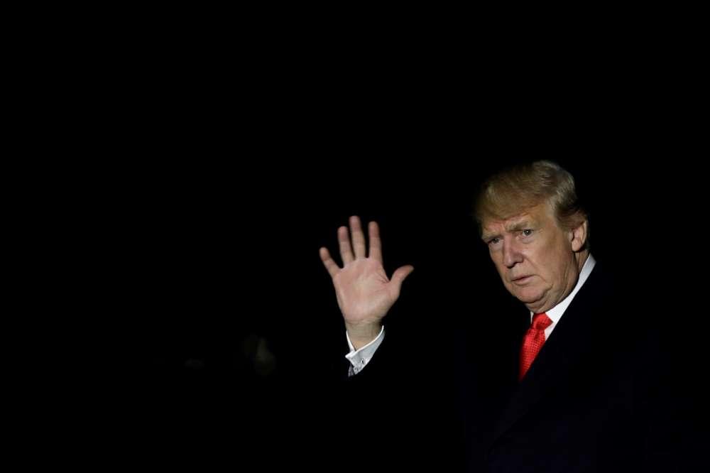 Trump urges Florida to halt recount