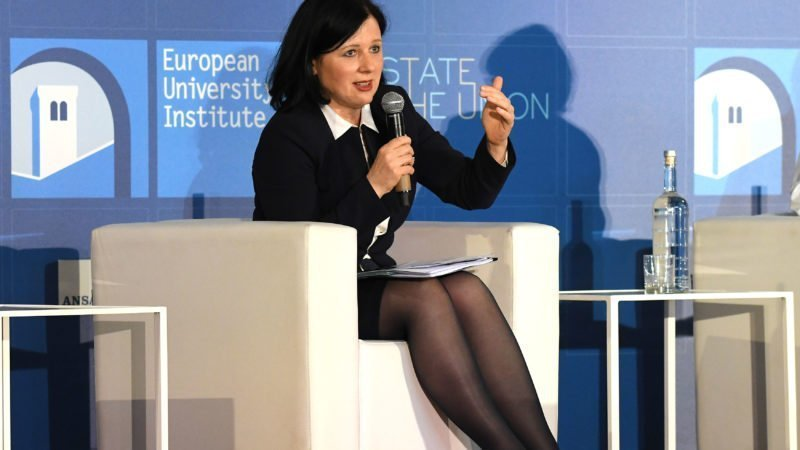 EU Commissioner urges tougher checks on citizenship bids