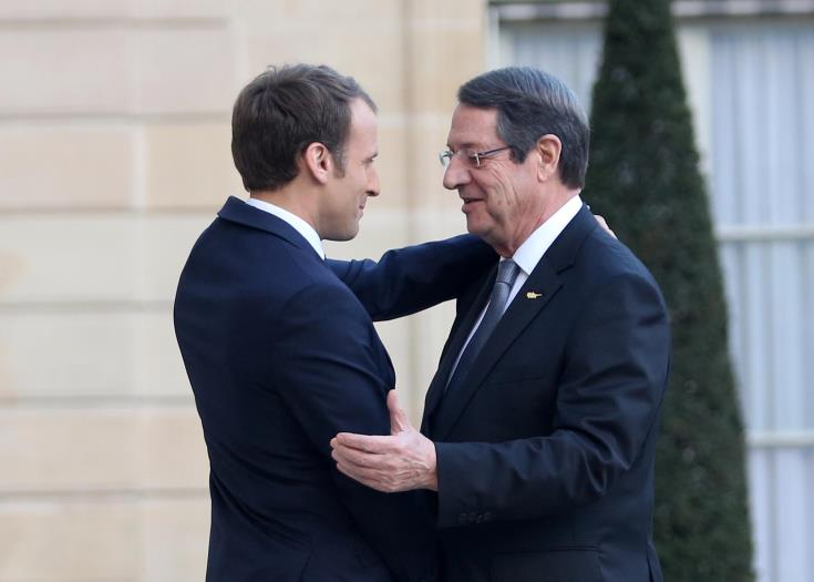 Macron expresses hope for the resumption of the Cyprus peace talks