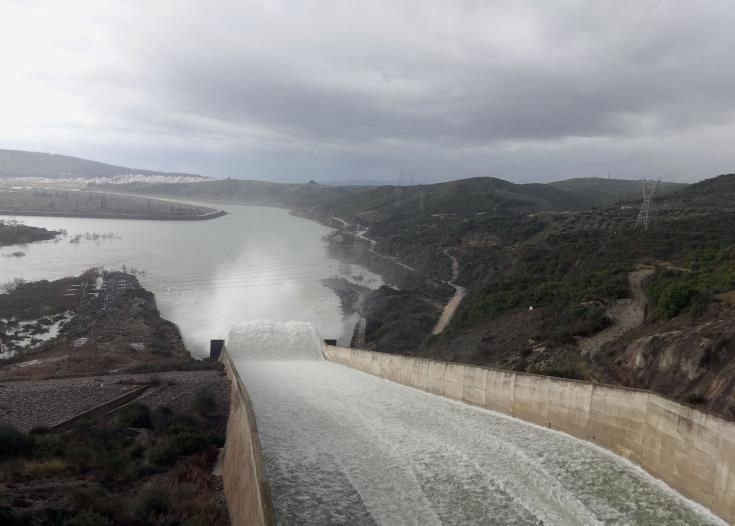 Argakas dam overflows after heavy rain