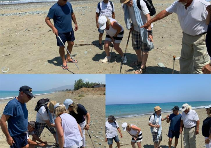 Disy leader joins turtle protection experts at Argakas beach (photos)