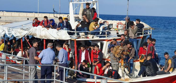UNHCR urges speeding up review of asylum applications to ease migratory pressure