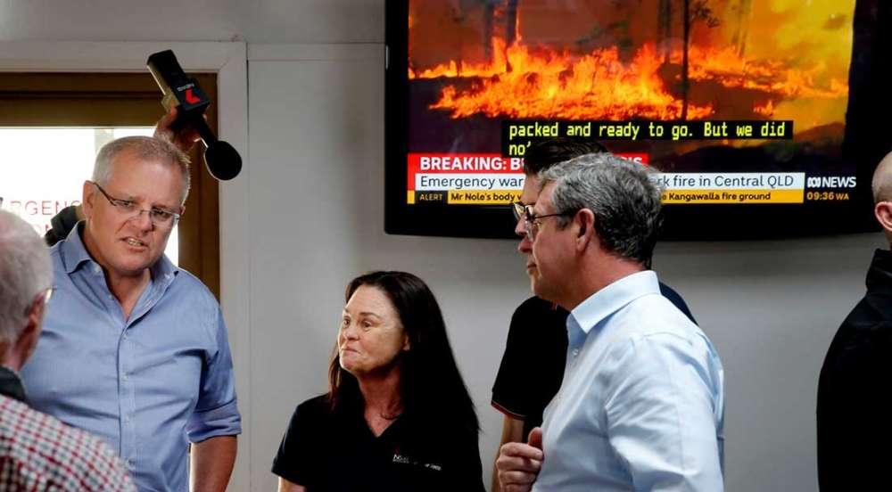 Australia battles bushfires