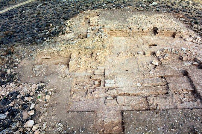 Digs reveal 'impressive' design of Nikolides fort