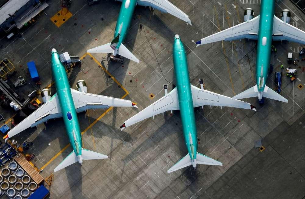 Boeing invites pilots
