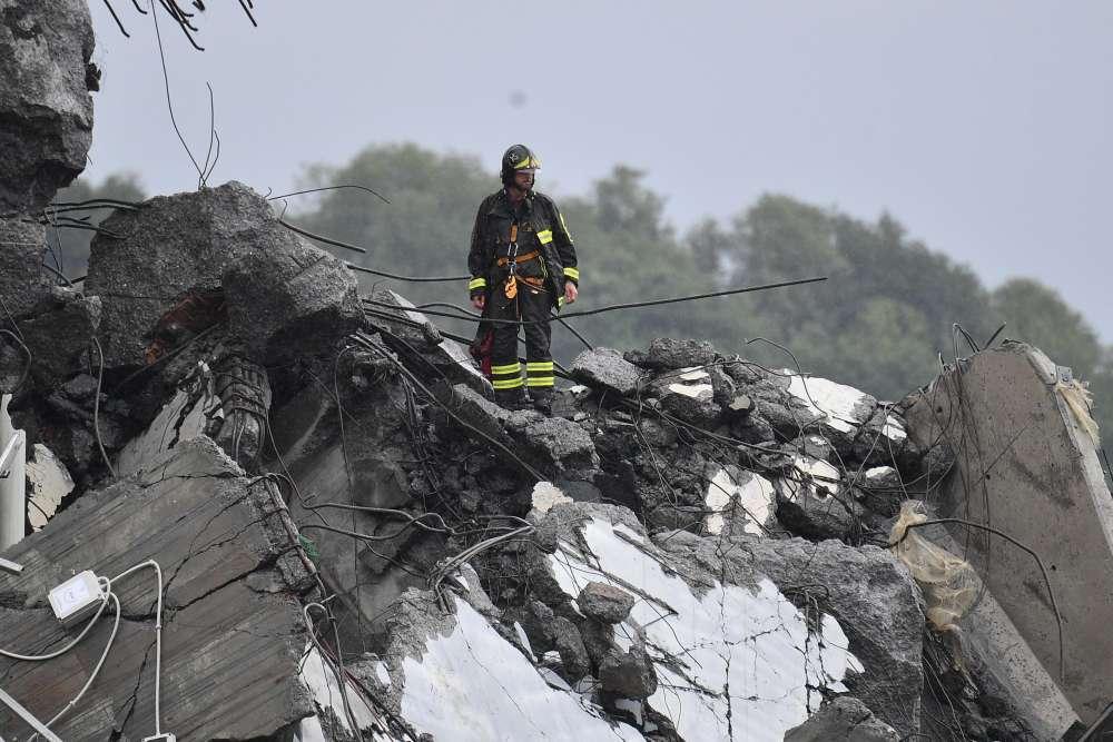 Italian minister demands resignations at operator of collapsed bridge