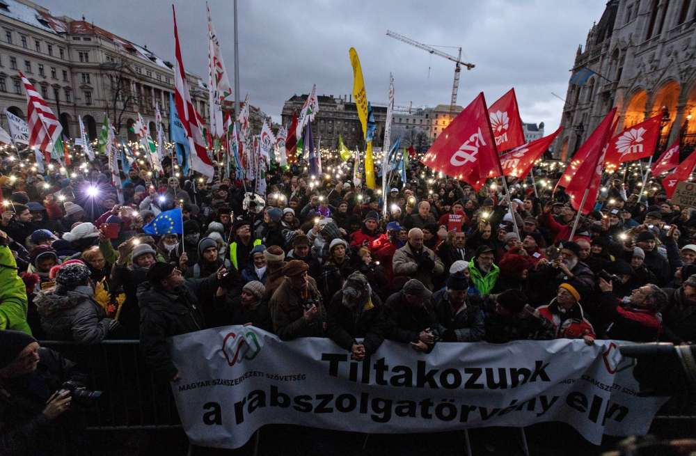 Thousands rally against Hungary's overtime work law