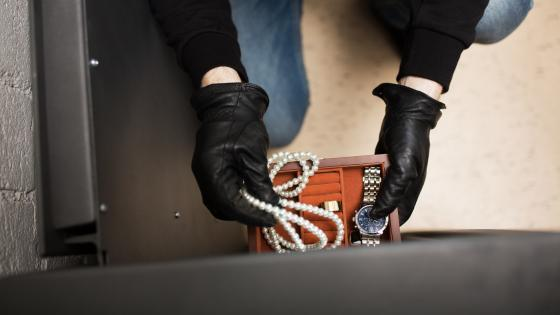 Limassol: Man arrested for theft of jewellery worth €128