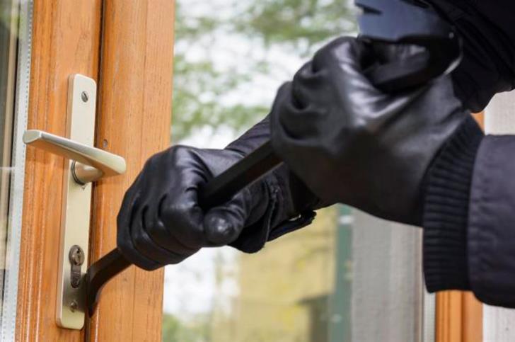 Burglars steal €58