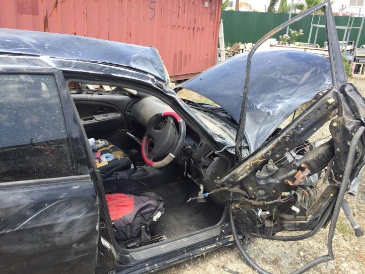 Update: Two injured in Larnaca crash