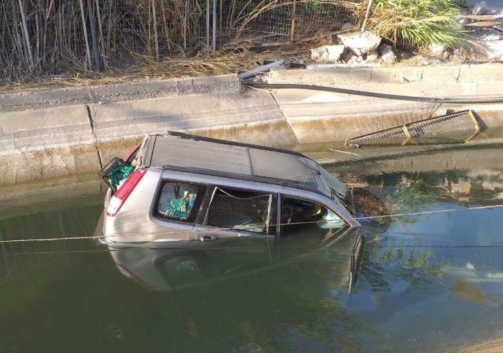 Paphos: Driver extricated from car which fell into irrigation ditch