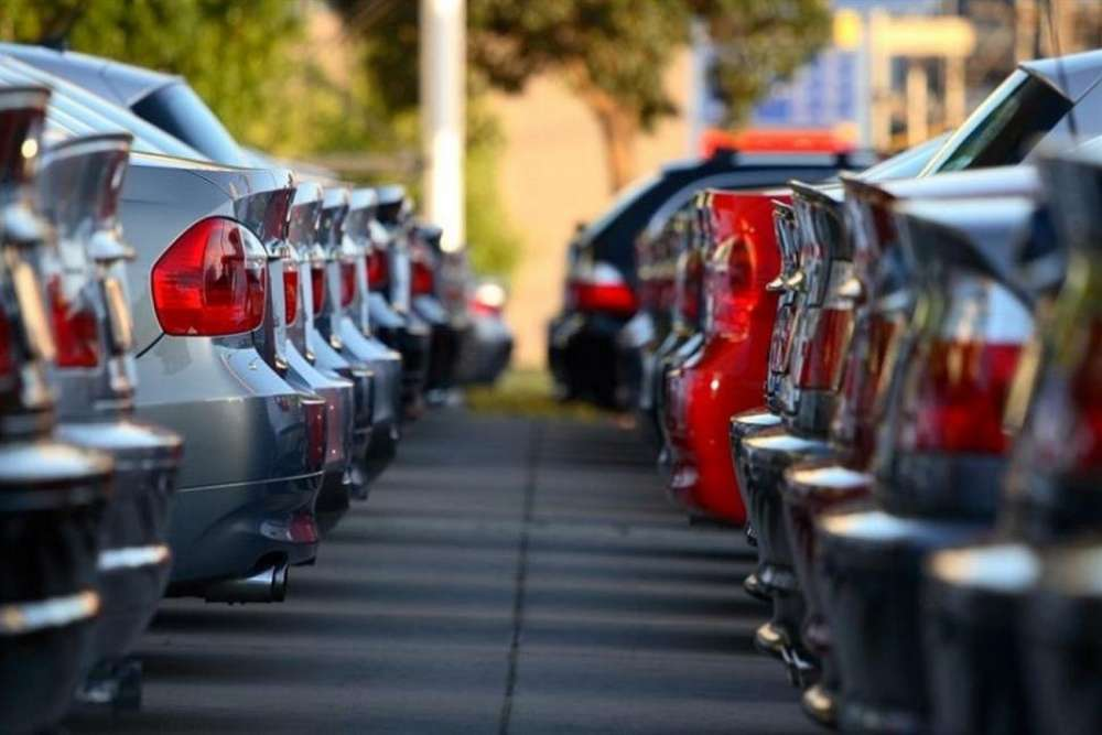 Motor vehicles registrations down by 9.4% in the first four months
