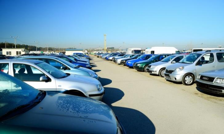 Customs Department reminds car importers of new rules