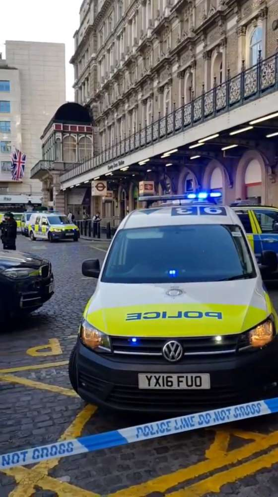 Update: Police arrest man claiming to have a bomb at London rail station