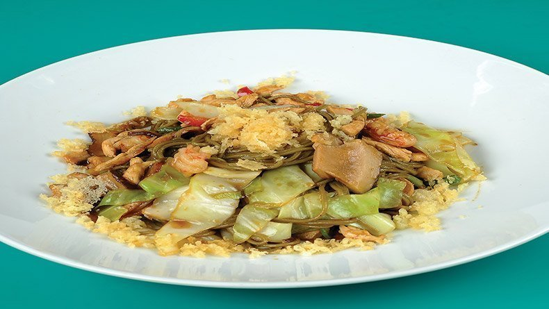 Chicken with cabbage and shrimps