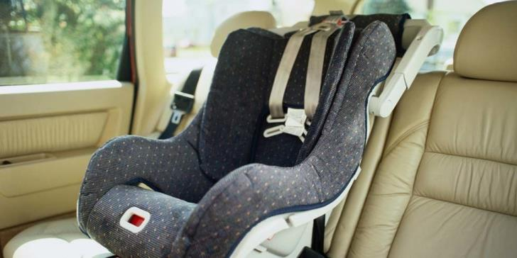 Police campaign for seat belts and child car seats